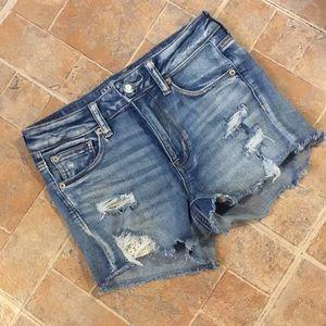 American Eagle shortie hi-rise jean shorts size 4
